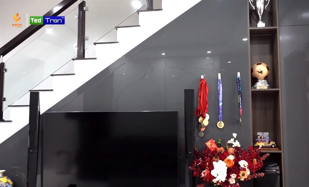 Hé lộ nhà mới đã hoàn thiện của Quế Ngọc Hải tại Vinh: Nội thất sang-xịn-mịn đều do bà xã chọn, riêng phòng xông hơi đã 200 triệu!-9