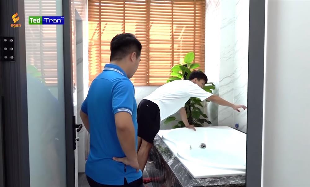 Hé lộ nhà mới đã hoàn thiện của Quế Ngọc Hải tại Vinh: Nội thất sang-xịn-mịn đều do bà xã chọn, riêng phòng xông hơi đã 200 triệu!-22