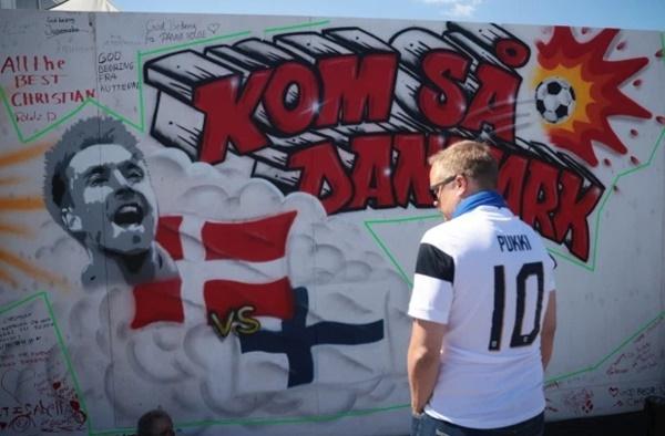 Các cầu thủ đội tuyển Đan Mạch được hỗ trợ điều trị tâm lý sau pha ngừng tim bi thảm của tiền vệ Eriksen-5