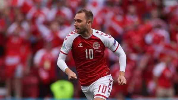 Các cầu thủ đội tuyển Đan Mạch được hỗ trợ điều trị tâm lý sau pha ngừng tim bi thảm của tiền vệ Eriksen-4