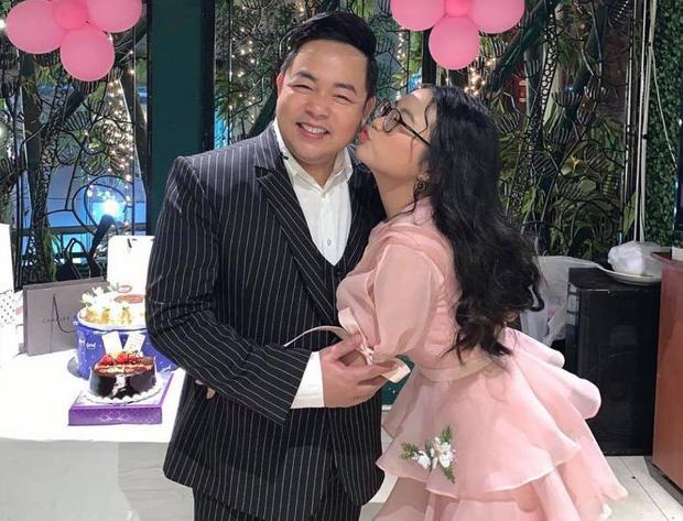 Quang Lê đăng ảnh cực tình cảm với con nuôi Phương Mỹ Chi, netizen spam ngay ảnh Phi Nhung và Hồ Văn Cường nhằm so sánh 1 điều!-3