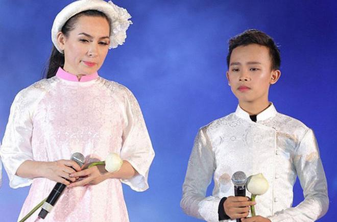 Hồ Văn Cường có gì trong tay sau 5 năm làm con nuôi, thường xuyên đi diễn cùng Phi Nhung?-3