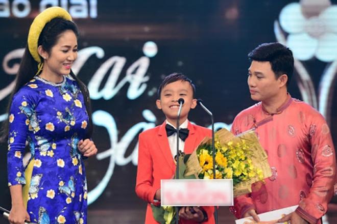 Hồ Văn Cường có gì trong tay sau 5 năm làm con nuôi, thường xuyên đi diễn cùng Phi Nhung?-5
