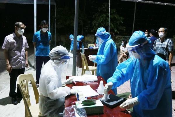 Hà Tĩnh ghi nhận thêm 6 ca dương tính với SARS-CoV-2-1
