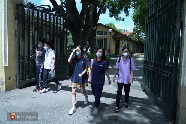 8.000 thí sinh thi vào các trường chuyên hot nhất Hà Nội: Đề siêu hay và khó-7