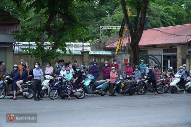 8.000 thí sinh thi vào các trường chuyên hot nhất Hà Nội: Đề siêu hay và khó-10
