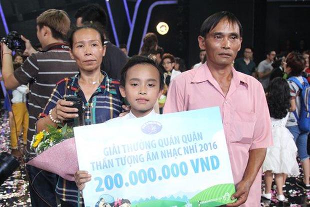 5 năm trước Phi Nhung - Hồ Văn Cường đều lên tiếng về tiền thưởng và cát-xê, gây tranh cãi vì khác 180 độ với hiện tại-2