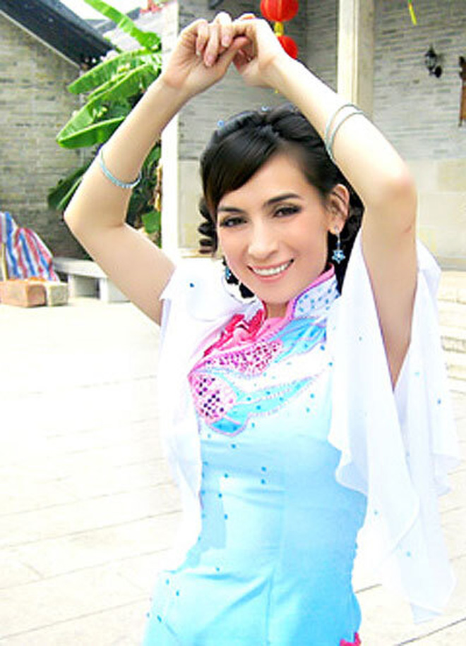 Phi Nhung từng đóng phim Hoa ngữ 11 năm trước: Lấy tên Phi Phi còn cặp kè sao phim Châu Tinh Trì, điểm đánh giá cao chói mắt!-8