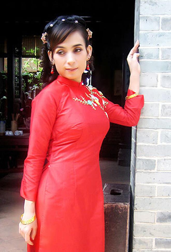 Phi Nhung từng đóng phim Hoa ngữ 11 năm trước: Lấy tên Phi Phi còn cặp kè sao phim Châu Tinh Trì, điểm đánh giá cao chói mắt!-11