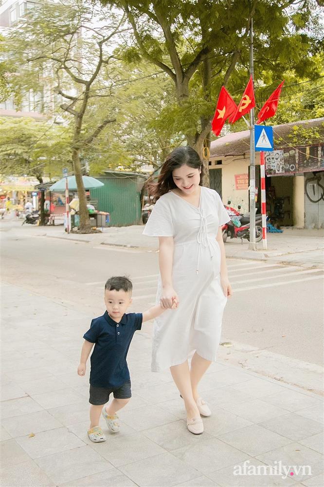 Chị Kính Hồng vác bụng bầu 8 tháng vẫn xinh xỉu, mách mẹ bầu cách ăn uống vào con để mẹ không béo-7
