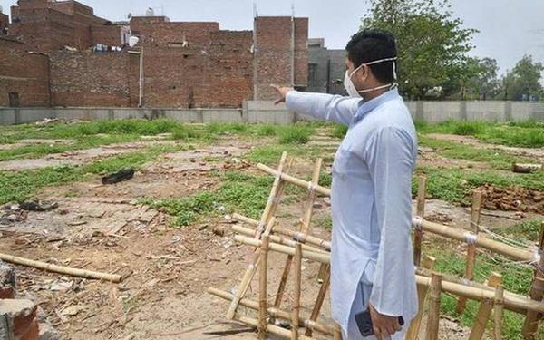 Người ta bỏ xác chết trước cửa, chẳng nói gì: Nhân viên lò hỏa táng Ấn Độ nhớ về những ngày kinh hoàng-2