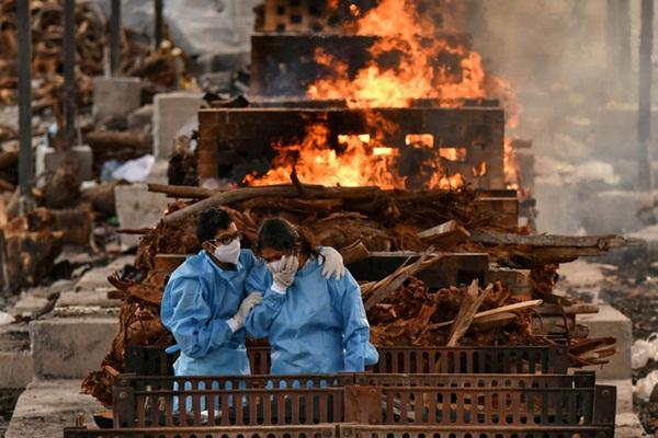 Người ta bỏ xác chết trước cửa, chẳng nói gì: Nhân viên lò hỏa táng Ấn Độ nhớ về những ngày kinh hoàng-4