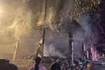 Vụ cháy 6 người tử vong ở Nghệ An: Cả gia đình hiền lành lắm, không chê được điểm gì-7