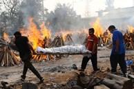 Người ta bỏ xác chết trước cửa, chẳng nói gì: Nhân viên lò hỏa táng Ấn Độ nhớ về những ngày kinh hoàng