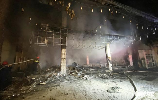 Cháy phòng trà lớn nhất TP Vinh trong đêm khiến 6 người chết: Trong đó có 2 trẻ em và 1 phụ nữ mang thai-6