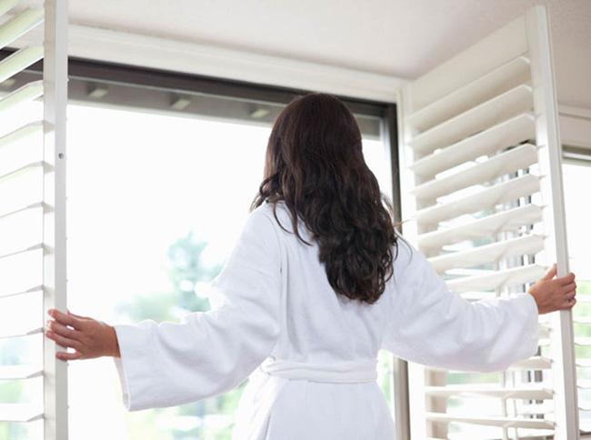 5 thói quentốt nên làm khi thức dậy, uống nước ấm chỉ đứng thứ 3, điều đầu tiênduy trì thì cơ thể sẽ khỏe,sống thọ-4