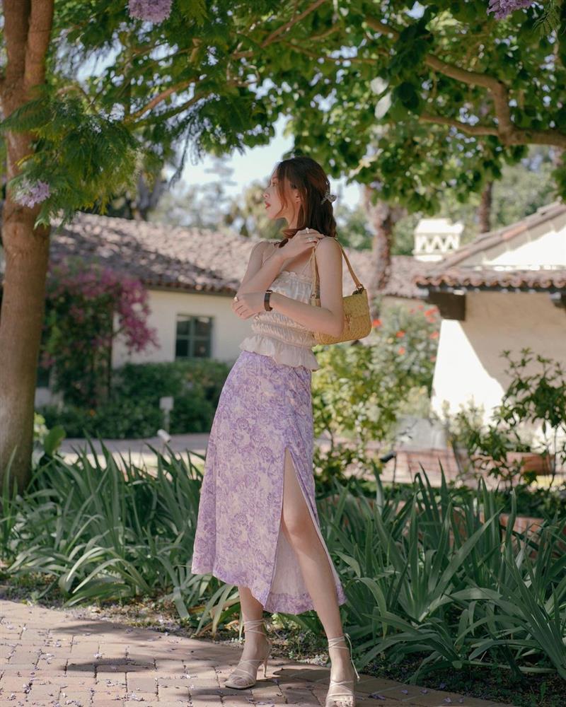 Chân váy có thêm chi tiết này thì nàng 1m55 trông như 1m65, cặp chân được kéo dài tít tắp-9