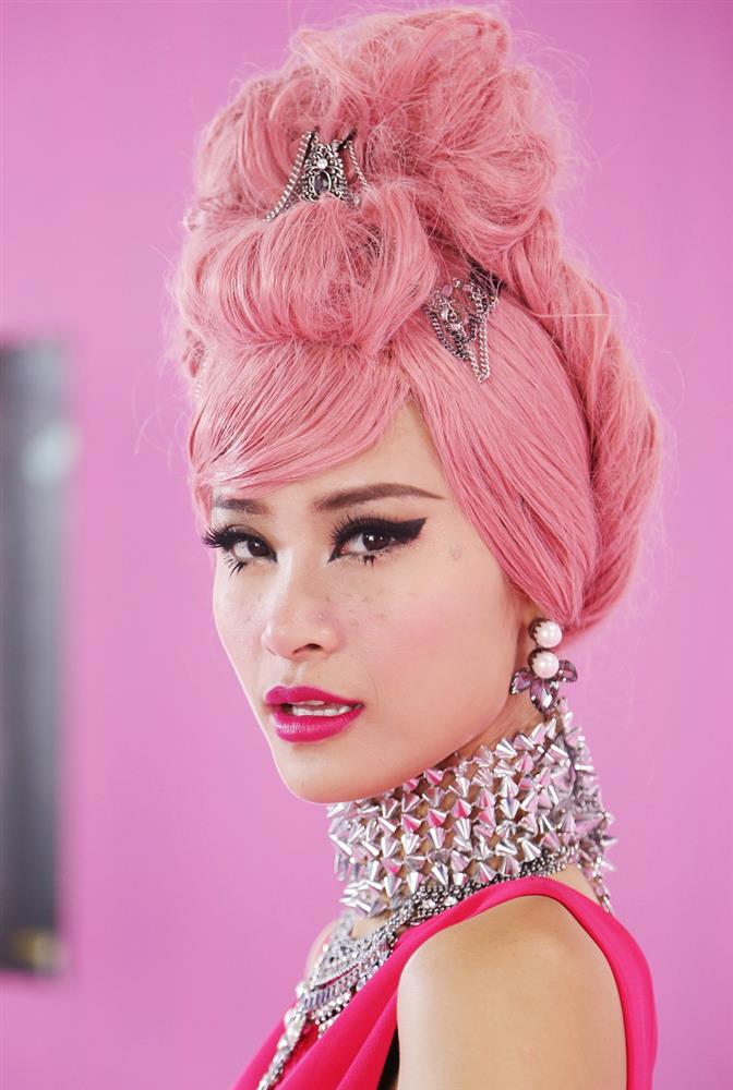 Thi thoảng nhìn lại ảnh cũ của sao Việt mà giật mình: Quá trời mỹ nhân makeup sợ phát khiếp-2