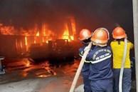 Vụ cháy phòng trà lớn nhất TP Vinh, 6 người chết thảm: 'Căn nhà kiên cố, cửa khóa trong, không ai tiếp cận được, xót xa lắm'