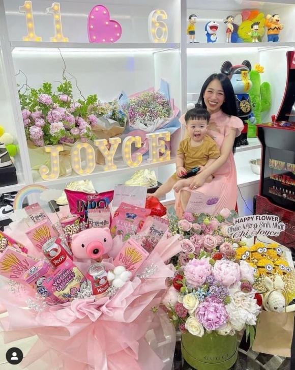 Ái nữ của đại gia Minh Nhựa đón sinh nhật tại nhà, được tặng nhẫn kim cương, đồ hàng hiệu-3