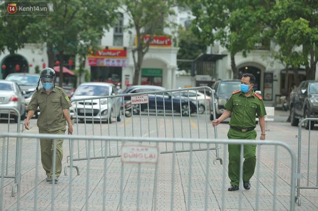 Hà Nội: Phong tỏa 1 tòa chung cư sau khi ghi nhận ca dương tính SARS-CoV-2-2