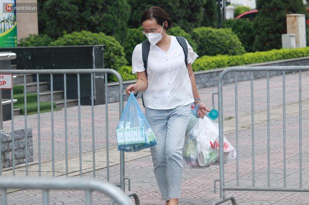 Hà Nội: Phong tỏa 1 tòa chung cư sau khi ghi nhận ca dương tính SARS-CoV-2-5