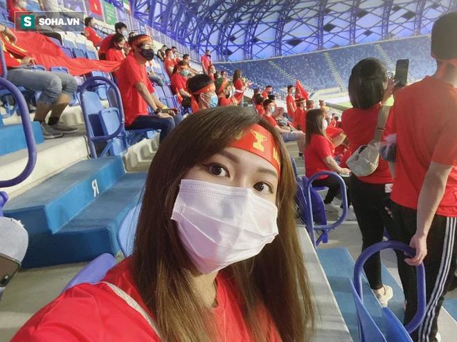 Cô gái tiết lộ chuyện mua vé thần tốc để vào sân xem Việt Nam - UAE: Giá vé khiến nhiều người bất ngờ-2