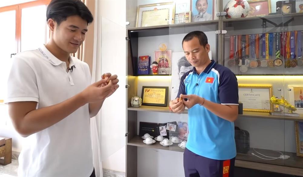 Mục sở thị cơ ngơi hoành tráng của cầu thủ Hà Đức Chinh tặng mẹ: Xây dựng sương sương hết 2 tỷ, có riêng phòng luyện tập thể lực xịn sò-11