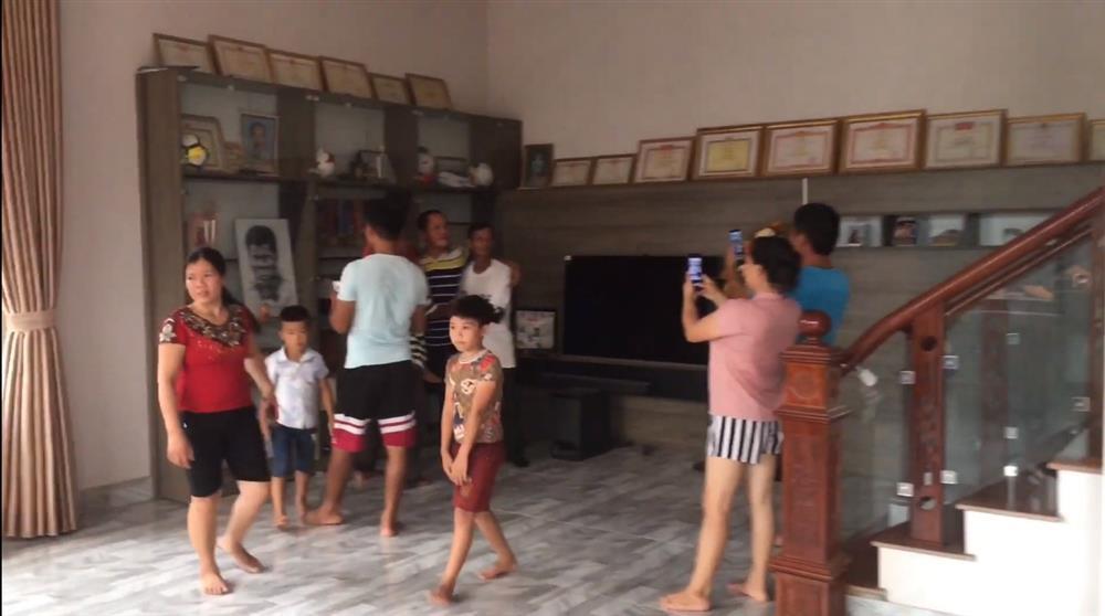 Mục sở thị cơ ngơi hoành tráng của cầu thủ Hà Đức Chinh tặng mẹ: Xây dựng sương sương hết 2 tỷ, có riêng phòng luyện tập thể lực xịn sò-13