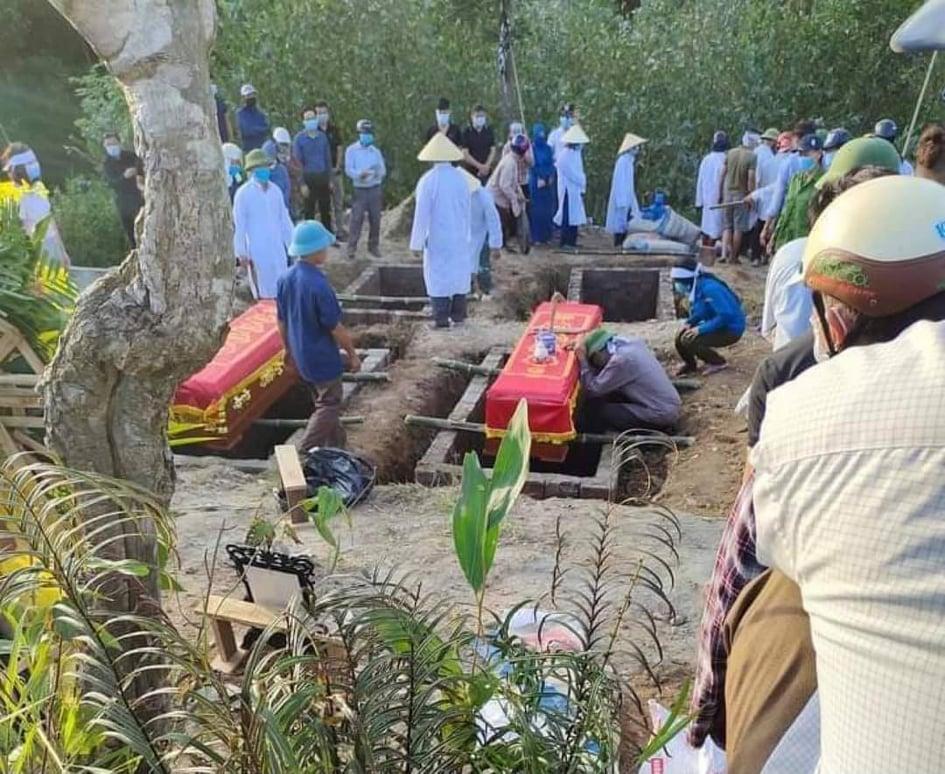 Vụ cháy phòng trà, cả gia đình thiệt mạng: Dự định đưa các con về thăm ông bà mãi dở dang, làng quê nghèo thê lương đại tang giữa mùa dịch-2