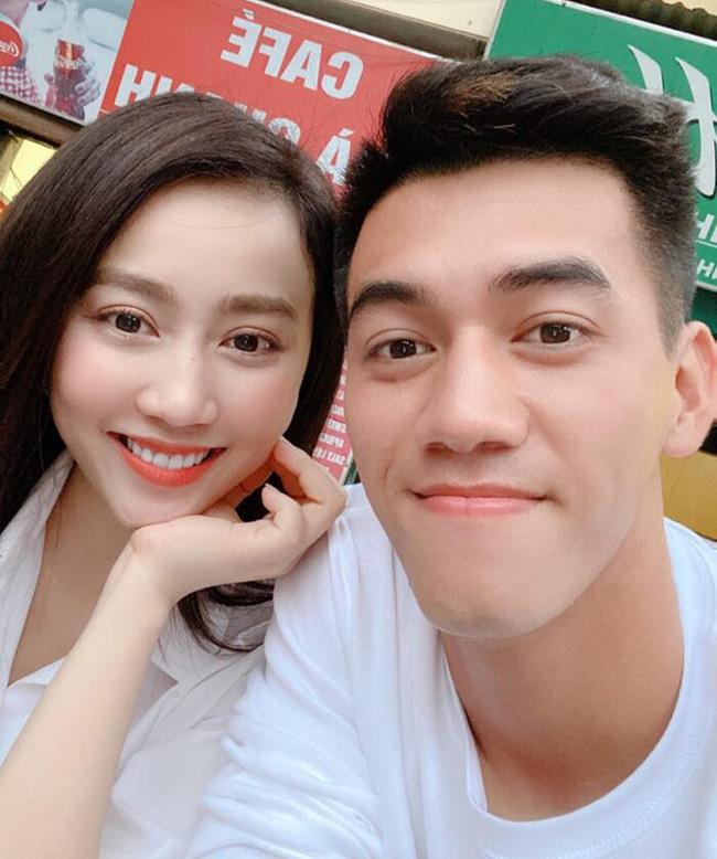 """Người hùng ĐT Việt Nam: Gu tình yêu là các chị gái"""", từng dính nghi án bị cắm sừng, hiện tại chỉ follow bạn thân của Ngọc Trinh-4"""