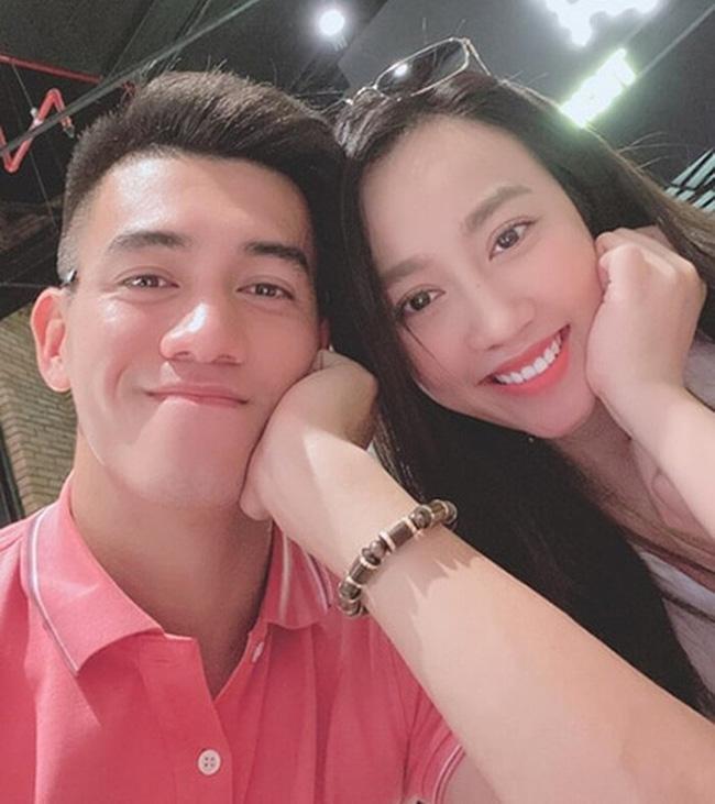 """Người hùng ĐT Việt Nam: Gu tình yêu là các chị gái"""", từng dính nghi án bị cắm sừng, hiện tại chỉ follow bạn thân của Ngọc Trinh-5"""