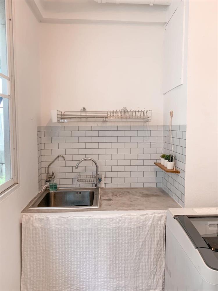 Vợ chồng mới cưới thuê nhà cũ kỹ và pha cải tạo thành không gian tối giản đầy ngoạn mục-16