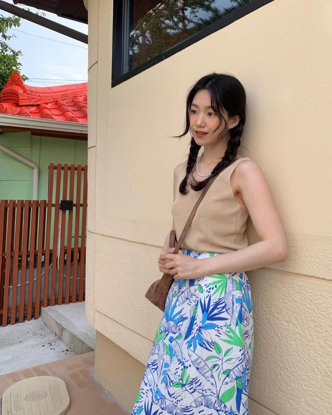 Cho những lúc không biết mặc gì: 12 outfit màu be tây tây dịu mắt, hợp mùa hè nóng nực-11