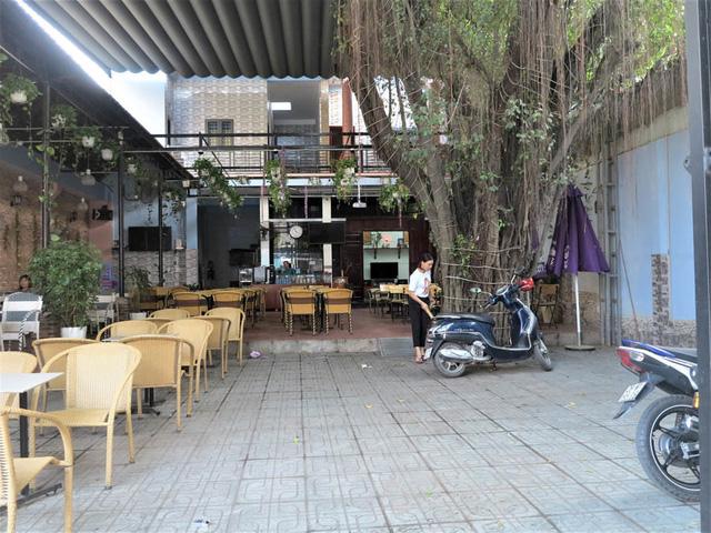 Nhà vườn tiền tỉ 300m2 của gia đình cầu thủ Nguyễn Tiến Linh: Mặt tiền là quán cà phê sức chứa trăm người, từng vui như hội mỗi lần bóng lăn-2