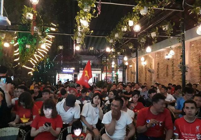 Nhà vườn tiền tỉ 300m2 của gia đình cầu thủ Nguyễn Tiến Linh: Mặt tiền là quán cà phê sức chứa trăm người, từng vui như hội mỗi lần bóng lăn-5