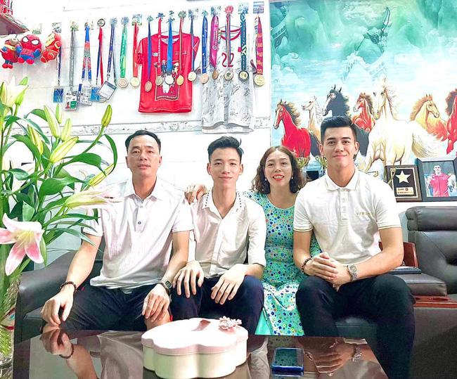 Nhà vườn tiền tỉ 300m2 của gia đình cầu thủ Nguyễn Tiến Linh: Mặt tiền là quán cà phê sức chứa trăm người, từng vui như hội mỗi lần bóng lăn-12