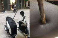 Thanh sắt rơi từ tầng 5 xuống, đâm thủng yên xe máy - cảnh tượng khiến nhiều người sốc