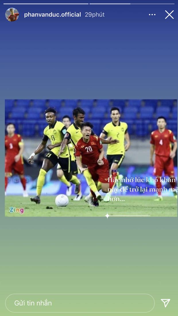 Cập nhật: Dàn cầu thủ đã có mặt ở Sài Gòn, dân tình chờ ngắm trọn visual đội nam thần hôm nay!-17