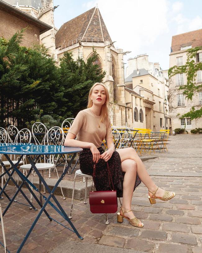 Khác với gái Hàn, phụ nữ Pháp diện chân váy dài trông nổi bật hơn hẳn là nhờ bí kíp này-9