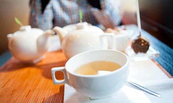 Người Nhật sống lâu nhờ uống trà nhưng có 3 thói quen uống trà không những không có lợi cho sức khỏe mà còn hại thận, nên tránh xa-2