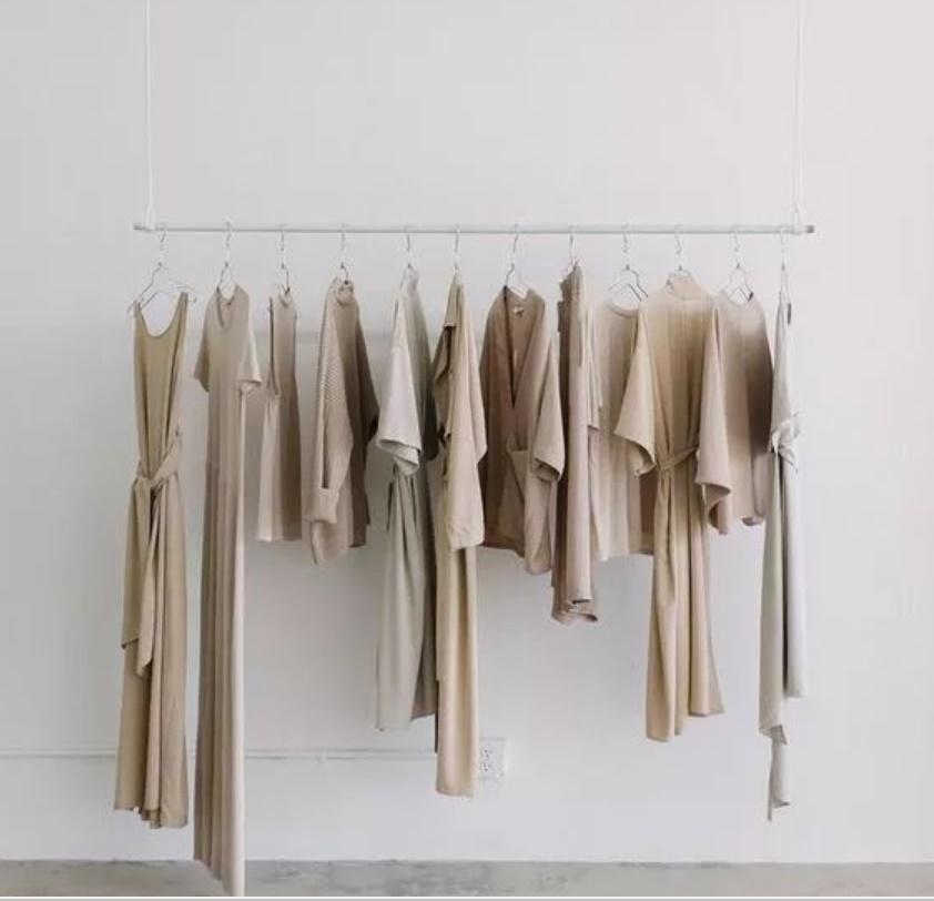 Mùa hè quần áo phơi khô như này chẳng mấy mà hỏng, nếu biết cách thì ngay cả thợ giặt là chuyên nghiệp cũng phải khâm phục-1