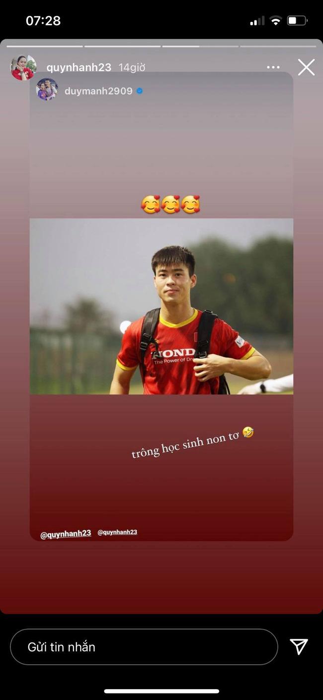 Quá mong ngóng chồng về nước, Quỳnh Anh post tấm hình kèm câu ví von Duy Mạnh với một đối tượng mà khiến dân mạng không nhịn được cười-1
