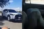 Ô tô biết 'nhún nhảy' hot MXH: Cặp đôi bị lên án vì hành động trần trụi trong ô tô giữa đường không quan tâm xung quanh