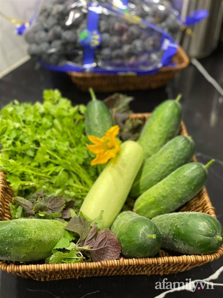 Khu vườn sân thượng chỉ 15m² nhưng quanh năm bội thu rau quả sạch của mẹ đảm ở Lào Cai-26