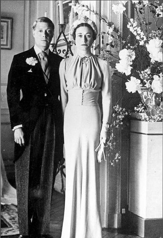 Mối tình hoàng gia huyền thoại nước Anh: Vị vua duy nhất thời hiện đại si tình đến mức từ bỏ cả ngai vàng để cưới người phụ nữ đã qua 2 lần đò-7