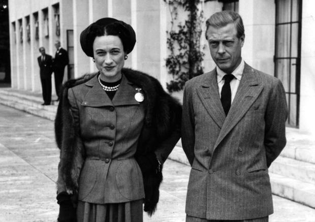 Mối tình hoàng gia huyền thoại nước Anh: Vị vua duy nhất thời hiện đại si tình đến mức từ bỏ cả ngai vàng để cưới người phụ nữ đã qua 2 lần đò-3
