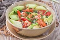 Canh chua dọc mùng nấu tôm ngon cơm ngày hè
