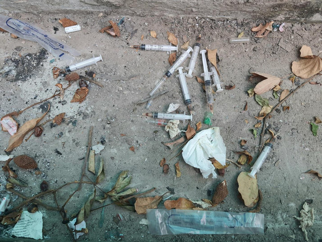 Hy hữu nhiều chung cư lớn giữa trung tâm Hà Nội bỏ hoang không người ở-7