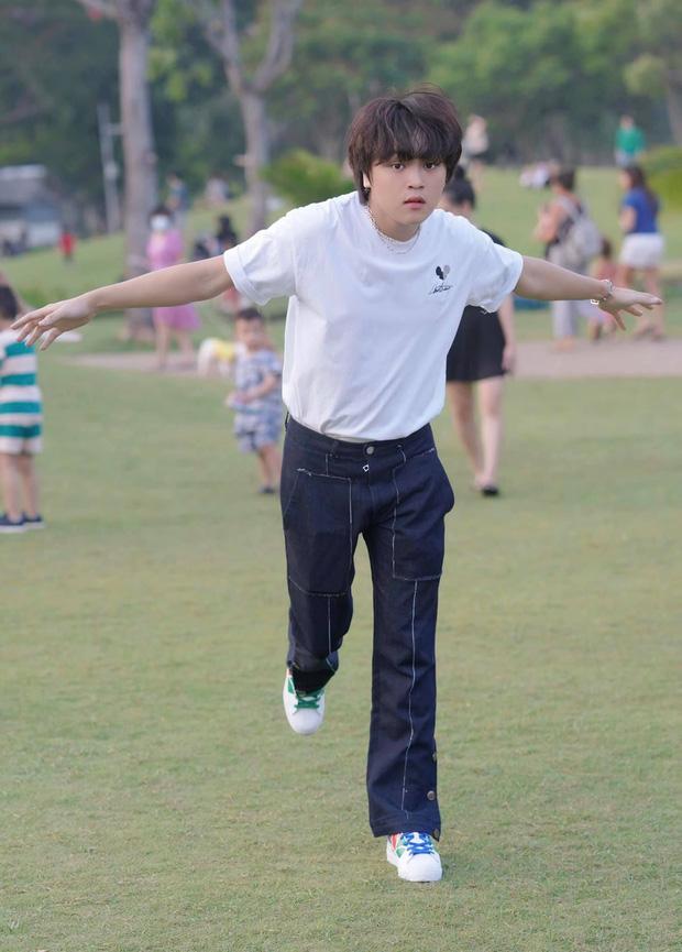Cuộc sống đối lập của 2 Quán quân Vietnam Idol Kids: Hồ Văn Cường khó khăn thiếu thốn, Thiên Khôi tự chủ tài chính ở tuổi 16-10